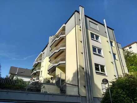Sehr gut geschnittene 5-Zimmer-Wohnung mit Balkon und Einbauküche in Wiesbaden-Auringen
