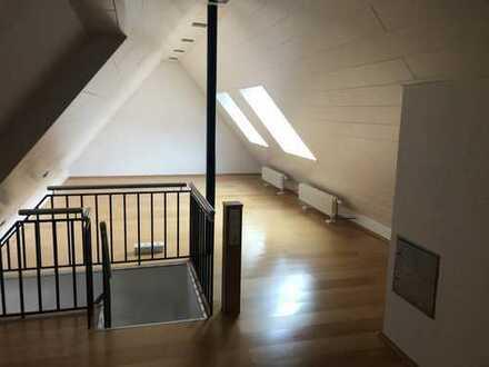 Freundliche 3-Zimmer-Maisonette-Wohnung mit Balkon und Einbauküche in Kaiserslautern - Lämmchesberg