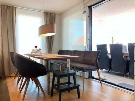 Wunderschöne, neuwertige 3-Zimmer Wohnung mit Balkon, Garage und Carport