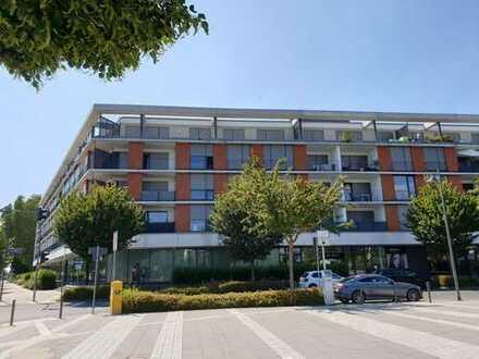 2-Zimmerwohnung, Wohn-/Essbereich und Balkon