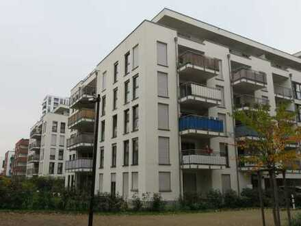 Exklusive, moderne 3-Zimmer-Wohnung mit Balkon und EBK in Frankfurt am Main