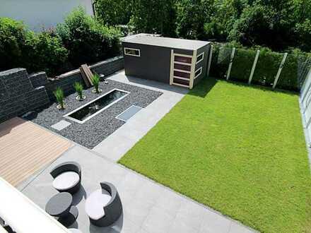 Neubau! Luxuriöse 2-Zimmer-Wohnung mit Sauna, Dampfbad, Teich und Privatgarten! Frei ab 01.07.!