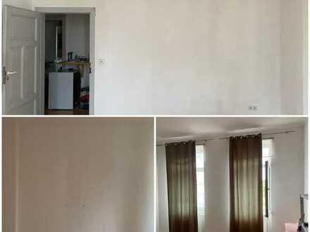 großzügig geschnittenes Zimmer Innenstadt Frauen WG
