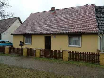 solide Doppelhaushälfte in Blumenthal