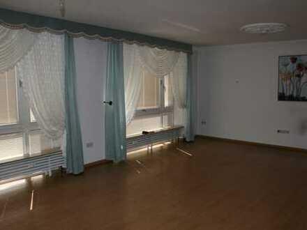 Großzügige 2-Raum-Wohnung mit Wintergarten - auf dem Kirchenhügel/Altstadt
