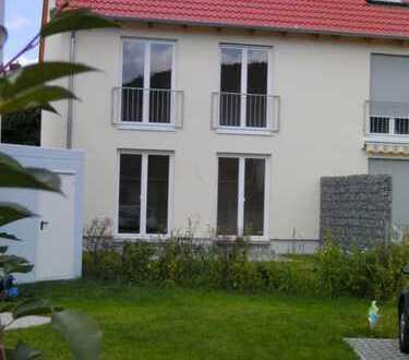 Sonniges Reihenendhaus, 4 Zimmer, ruhige Südwestlage, Spielstrasse, teilmöbliert