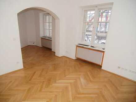 Maxvorstadt / 3-Zimmer-Altbauwohnung in bester Lage!
