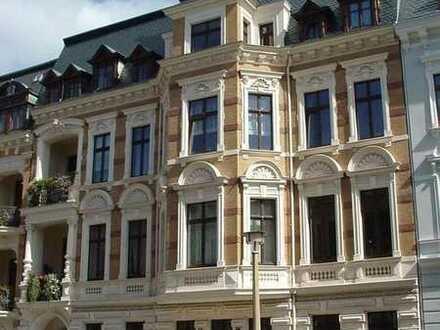 Exklusive großzügige Wohnung in einer der schönsten Straßen von Görlitz mit 2 Balkonen
