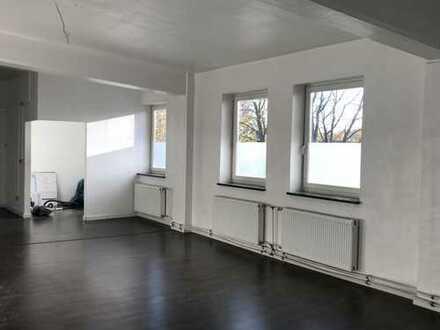 5 Zimmer-Wohnung mit ca. 240 qm zu vermieten