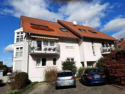 Großzügige Dachgeschosswohnung in ruhiger Wohnlage