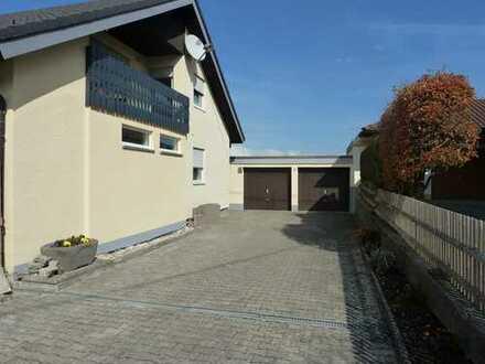 Erstbezug nach Sanierung: attraktive 3,5-Zimmer-Dachgeschosswohnung mit EBK und Balkon in Wald