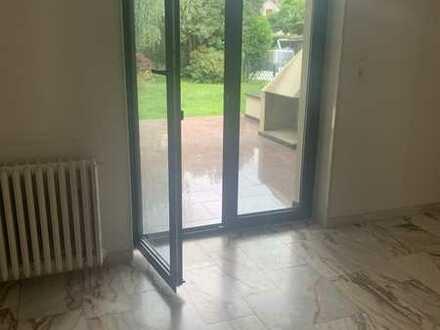 Erstbezug nach Sanierung mit Terrasse freundliche 4-Zimmer-EG-Wohnung in Dortmund