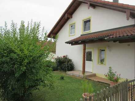 Neuwertige 2-Zimmer-Wohnung mit Einbauküche in Schmidham