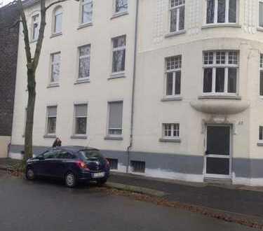 4.-Zimmer Wohnung KDB / 2. Monate mietfrei / Renovierungsbedürftig