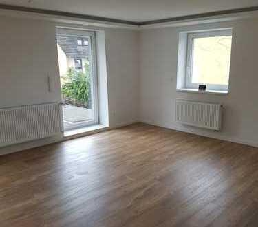 Ruhige 3 Zimmer Wohnung mit Terrasse zu vermieten !