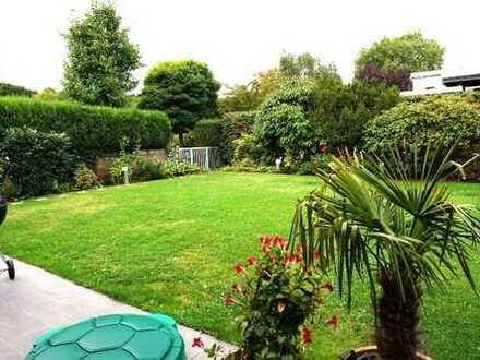 Repräsentative Wohnung als Haus im Haus mit Einbauküche, Kamin, Garten, Garage-Do-Kirchhörde!