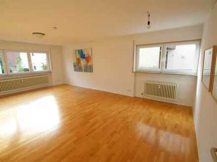 Familienfreundliche 4-Zi.-Wohnung mit Garten und Garage in schöner Stadtrandlage