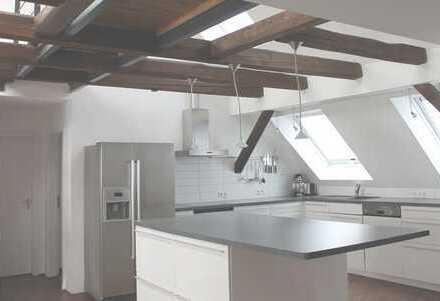 2,5-Zimmer-Maisonette-Wohnung mit Galerie und EBK in Nürtingen