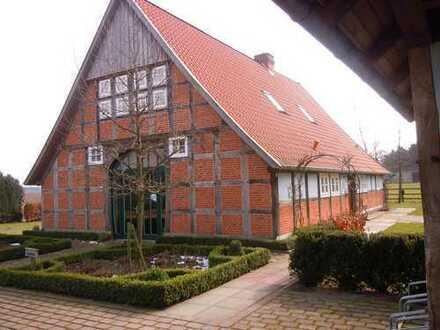 Historisches Fachwerkhaus mit Remise und Garten v. privat