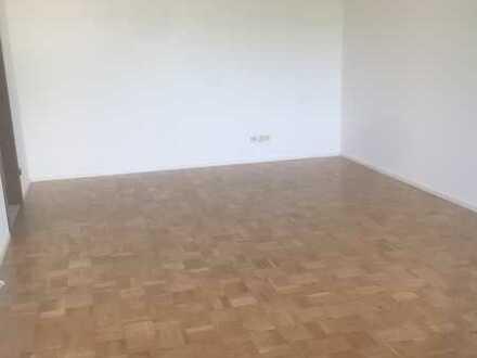 3,5-Zimmer-Wohnung in Marbach-Süd mit Balkon
