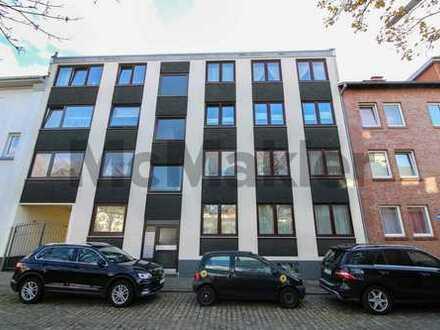 Wohnen in zentraler Lage von Bremerhaven: Charmante 3-Zi.-ETW mit Balkon und Pkw-Stellplatz