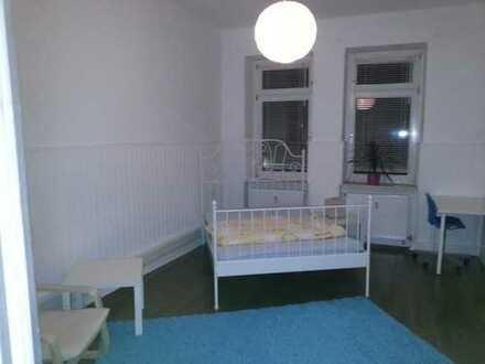 Möbeliertes Zimmer in einer 110 m² Altbauwohnung in Hagen