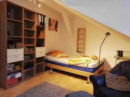 Möblierte 2-Zimmer-DG-Wohnung Cham, City f. Singles od. Pärchen gut geeignet