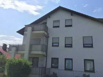 Gepflegte 2,5- Zimmer- Wohnung mit Dachterrasse