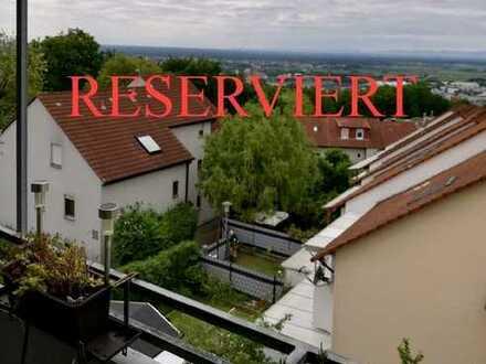 Bezugsbereite, helle 2 ZKB-Wohnung mit herrlichem Blick über den Kreis Heidelberg