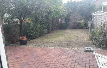 Reihenmittelhaus mit Kleingarten und Terasse ; Ideale Wohnlage zu vermieten