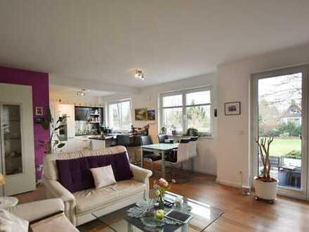 Iserbrook: großzügige 3-Zimmer-Wohung mit herrlicher Terrasse, Lift und Tiefgaragenstellplatz!