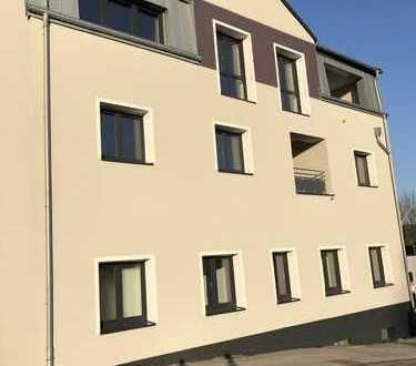 Erstbezug nach Komplett-Sanierung: schöne 4,5-Zimmer-EG-Wohnung mit EBK und Terrasse in Gevelsberg