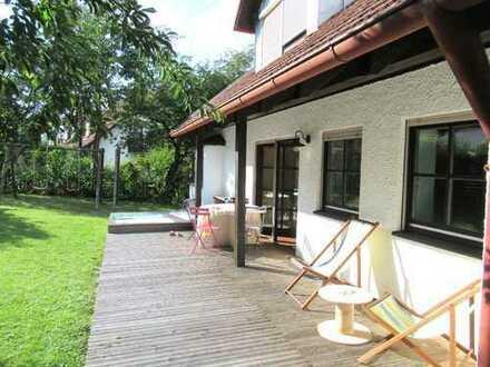 Ch.Schülke-Immobilien; Bei Freising, großzügiges Einfamilienhaus mit 2 Balkonen, Terrasse und Dop...