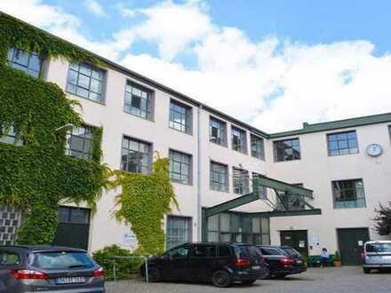BÜROHAMBURG.DE: Helle Bürofläche in historischer Fabrik in Wandsbek