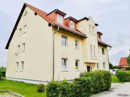 Schöne charmante 2 Raum-Wohnung mit Fußbodenheizung & Terrasse
