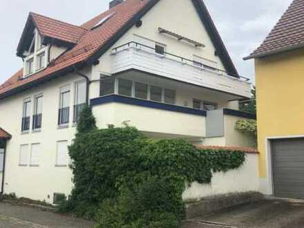Dachgeschosswohnung - Maisonette mit 2 Balkonen und Wintergarten!