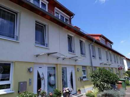 Halt: Begehrtes Reihenmittelhaus mit Garten in zentraler gesuchter Wohnlage von St. Ilgen