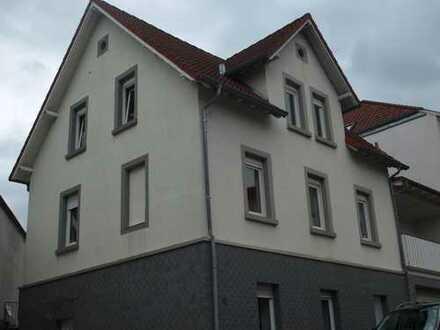 Vermietete Dachgeschosswohnung in zentraler Lage