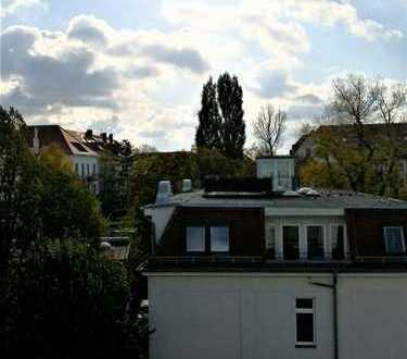 Wunderschöne Altbauwohnung in Gohlis-Süd - Balkon - zwei Bäder mit Fußbodenzeizung- Aufzug
