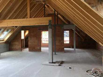 Schicke 3 Zimmer-Dachgeschoss-Wohnung mit großzügiger Aufteilung.