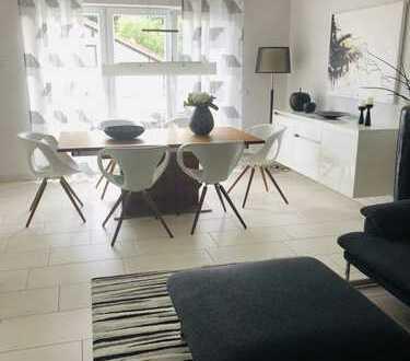 Sehr schöne, neuwertige 3-Zimmer-Wohnung mit Balkon und EBK in Großmehring