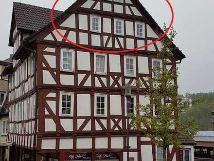 Schöne, geräumige ein Zimmer Wohnung in Waldeck-Frankenberg (Kreis), Frankenberg (Eder)