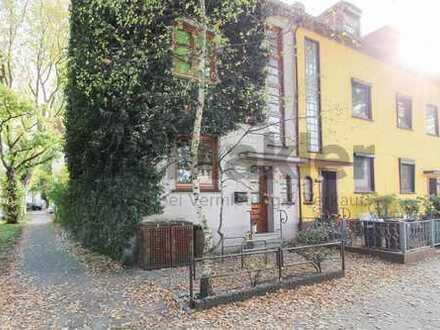 Für große Familien: Vielseitiges 5-Zi.-REH mit Balkon und Garten in gepflegter Wohnlage