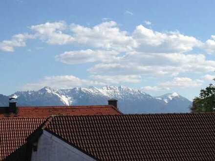 Gepflegte 2,5-Zimmer-Maisonette-Wohnung mit Balkon und EBK im Herzen Murnau am Staffelsee