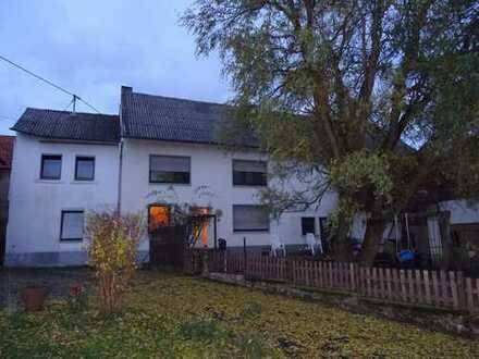 Großzügiges Haus mit Ausbaureserve in Karl.