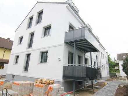 ***Neuwertige, moderne 2 Zimmerwohnung mit S/W Dachterrasse in OF/Bieber***