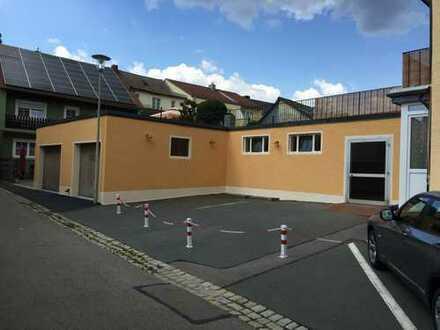 Garagengebäude, Oldtimergebäude, Platz für 11 PKW's, + 3 Außenstellpl., 310 m² EG+KG, mit Dachgarten