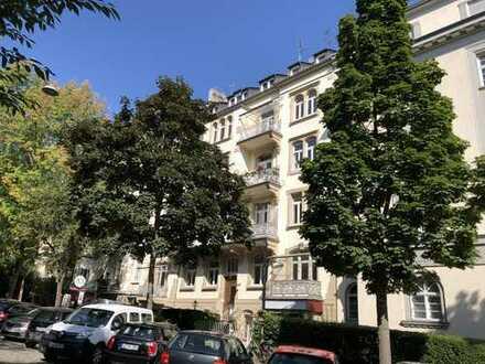 Kulturdenkmal, Beletage, gut vermietet, Dichterviertel, 3 Zi, 78m², 2 Balkone, hell, Provisionsfrei