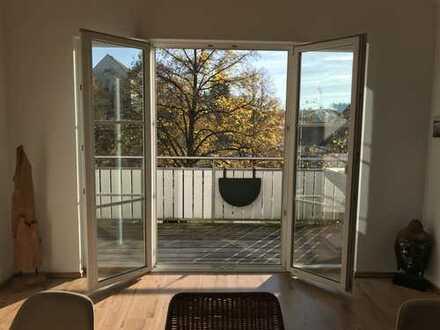 Attraktive 3-Zimmer-Maisonette-Wohnung mit Balkon und EBK in Buxheim