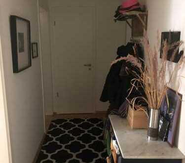 WG Zimmer modern, zentral praktisch, komfortabel